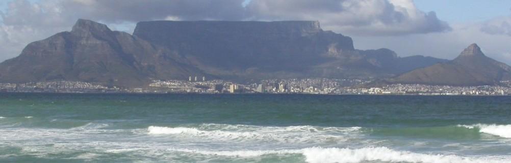 Touraco Kapstadt mit Tafelberg